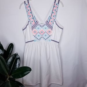 AEO White embroidered top with back detail Size 10